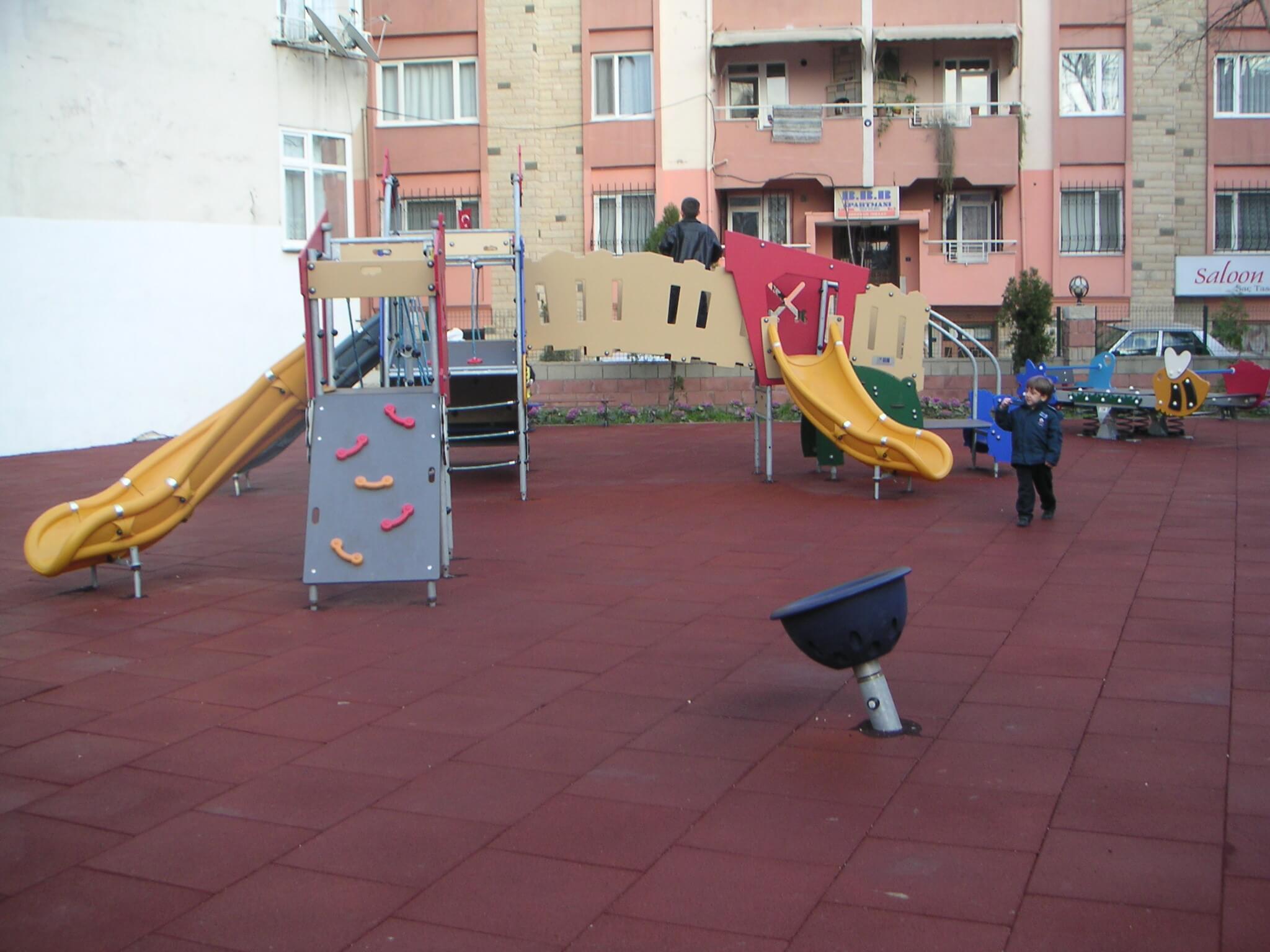 lüleburgaz-çocukları-için-oyun-parkları-1